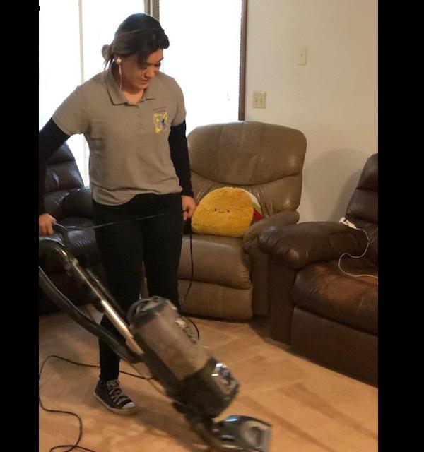 Foto de empleado de limpieza del hogar