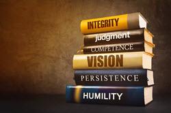 Los 5 rasgos de liderazgo de un empresario de limpieza residencial exitoso